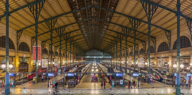 Gare_Du_Nord_Interior,_Paris,_France_-_Diliff